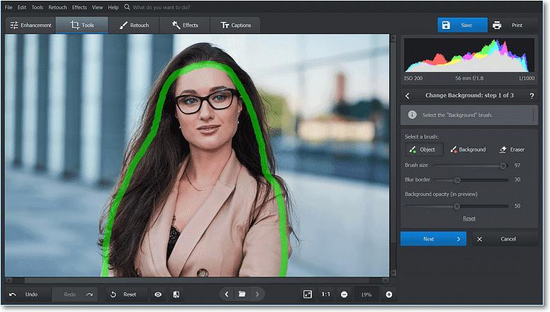Puteți picta peste fotografie aproximativ; programul determină marginile în mod automat