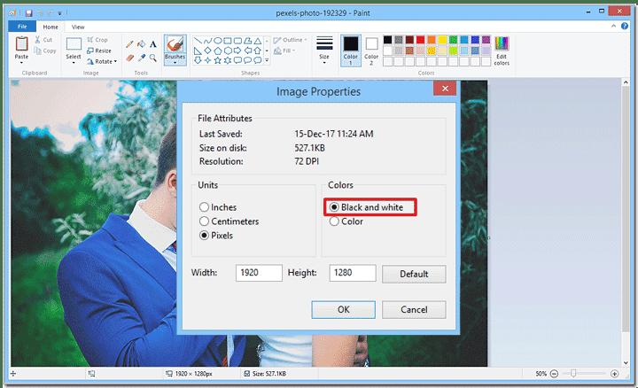 Dacă nu aveți opțiunea alb-negru, atunci obțineți o versiune mai nouă a Paint