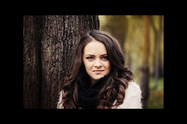 Cum să schimbați culoarea părului în fotografii cu PhotoWork